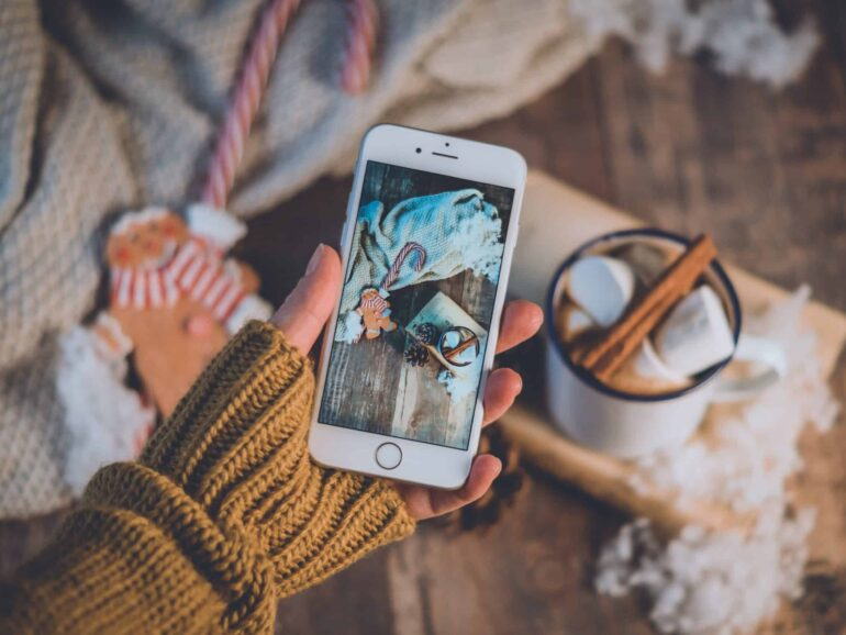 Create magical AR content for the Holidays
